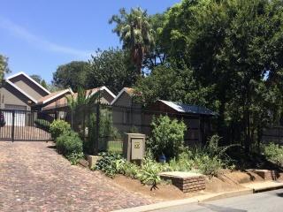 55B Stiglingh, Rivonia Edenburg Sandton, Gauteng, 4 Bedrooms Bedrooms, ,3 BathroomsBathrooms,House,Sold,Stiglingh,1027