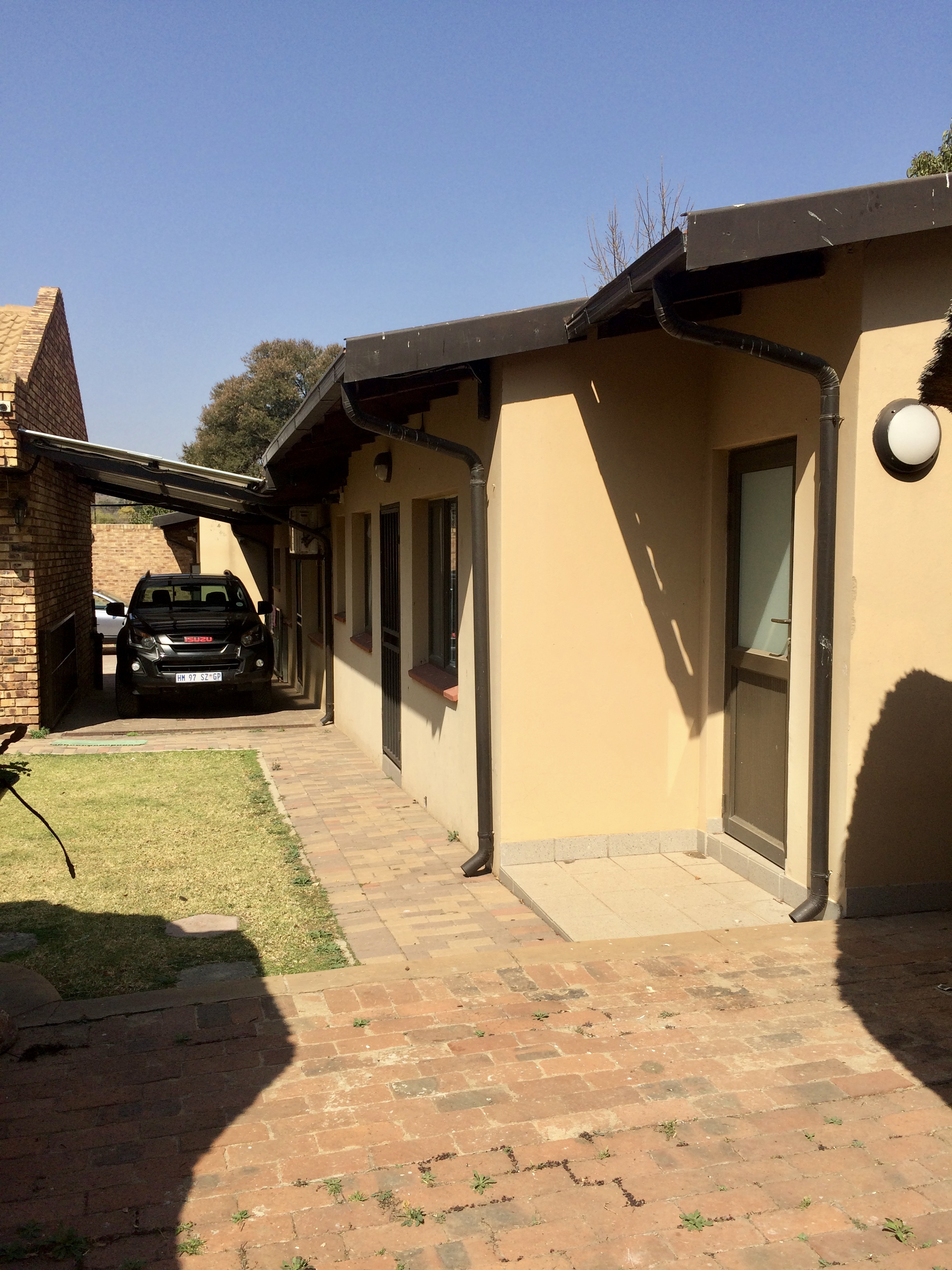 160 4th Avenue, Edenvale, Gauteng, 6 Bedrooms Bedrooms, ,6 BathroomsBathrooms,House,For sale,4th Avenue,1035