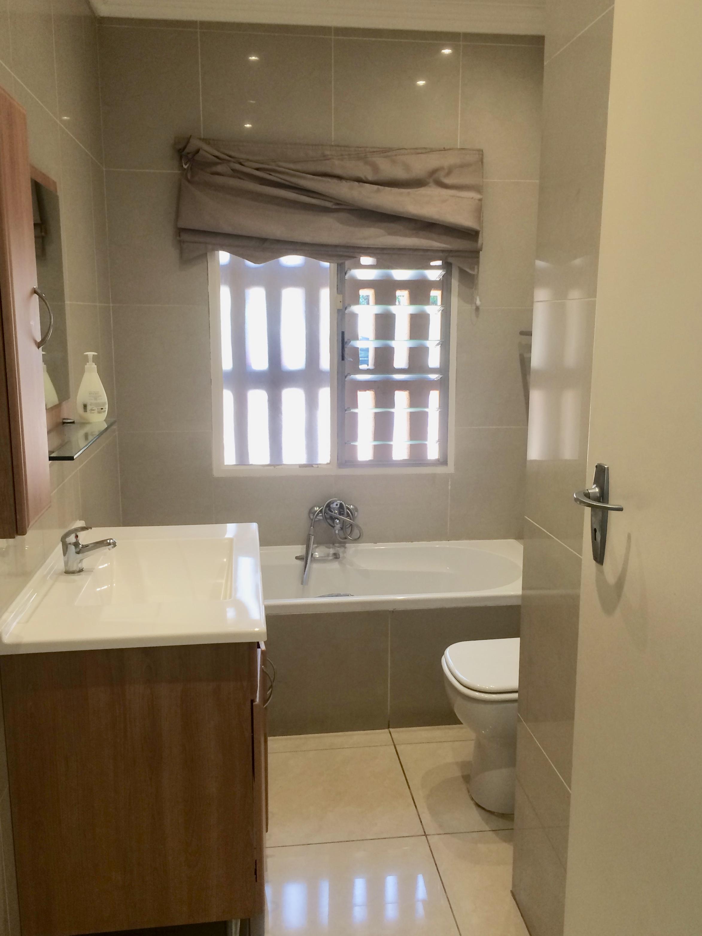hans Pirow5, Bruma, Gauteng, 3 Bedrooms Bedrooms, ,2 BathroomsBathrooms,Sectional Title,For sale,hans Pirow5,1045