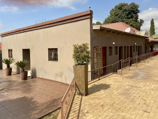 12 Gladys, Cyrildene, Gauteng, 12 Bedrooms Bedrooms, ,11 BathroomsBathrooms,House,Sold,Gladys,1056