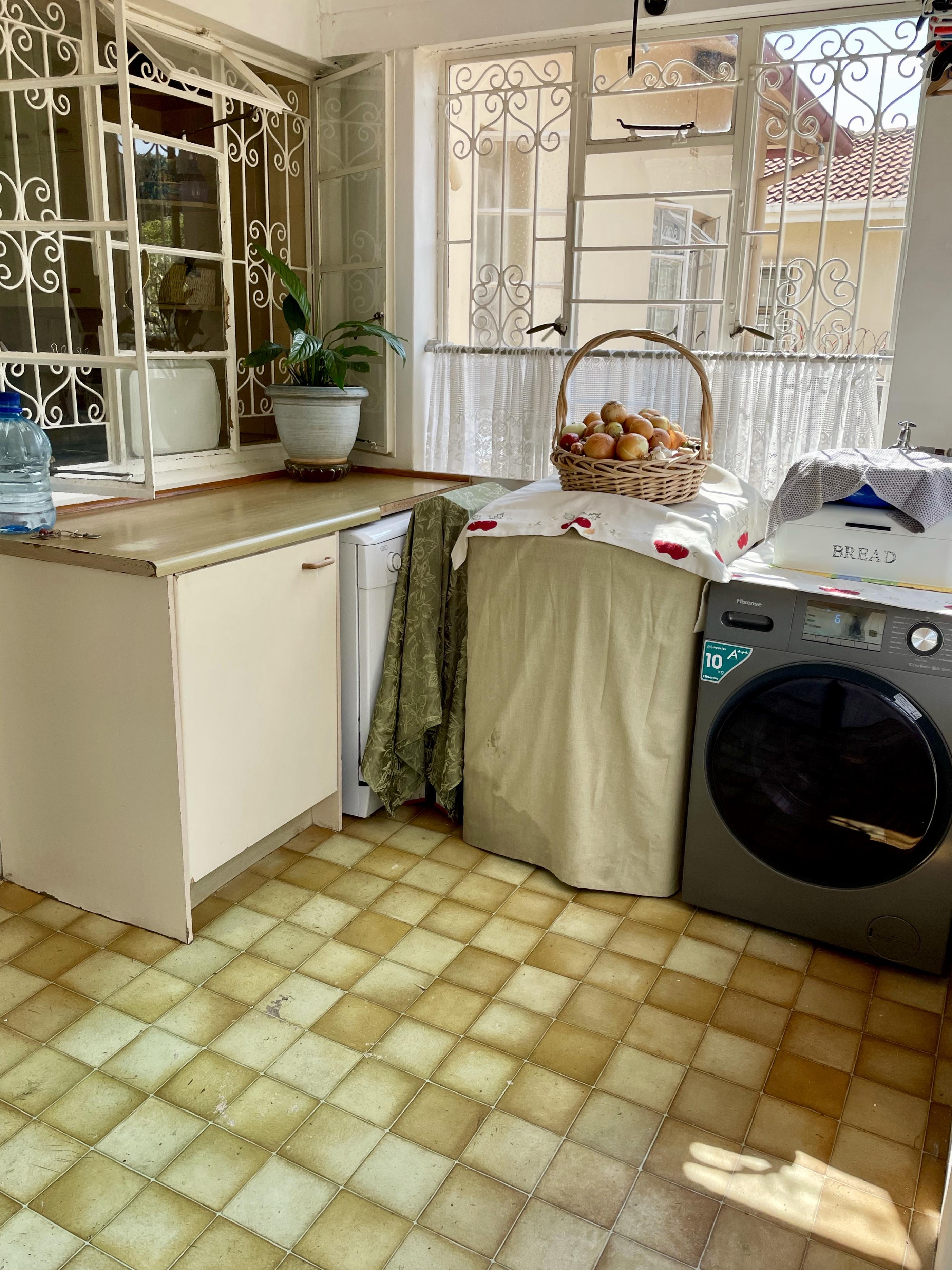 14 Rollo, Cyrildene Johannesburg, Gauteng, 4 Bedrooms Bedrooms, ,2 BathroomsBathrooms,House,Reserved,Rollo,1059